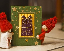 Make a Christmas card to support children with rare diseases