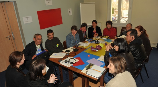 Translate from Bulgarian to English, Hungarian or Romanian at a workshop on social activities